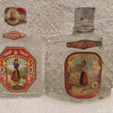 Coleccionismo de vinos y licores: BOTELLAS PETACAS ANÍS LA CASTELLANA Y ANIS DE LA ASTURIANA. Lote 224797026