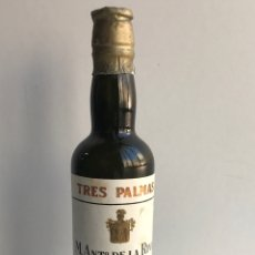 Coleccionismo de vinos y licores: ENVIÓ 8€. MINIATURA FINO TRES PALMAS ANOS 70 SIN ABRIR EL LACRE. MIDE 13 CM. Lote 224839947