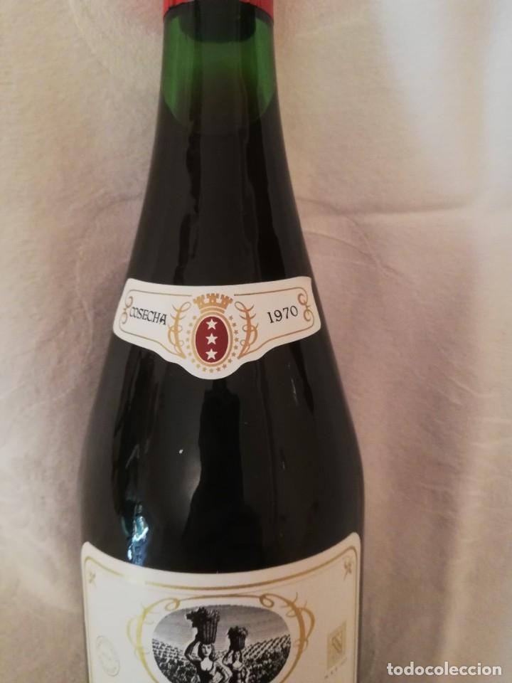 Coleccionismo de vinos y licores: LOTE DE 4 BOTELLAS DE VINO BODEGAS CAMPO VIEJO -1970-CRIANZA - Foto 5 - 226491980