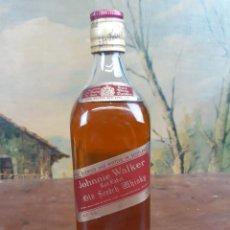 Coleccionismo de vinos y licores: ANTIGUA BOTELLA JOHNNIE WALKER. Lote 227758650
