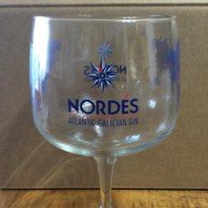 Coleccionismo de vinos y licores: NORDÉS - CAJA CON 6 COPAS - GINEBRA DE GALICIA. Lote 227805995