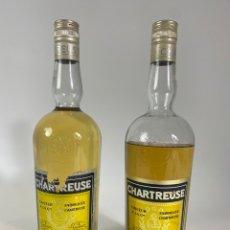 Coleccionismo de vinos y licores: PAREJA DE BOTELLAS DE CHARTREUSE AMARILLO. S.XX.. Lote 234711490