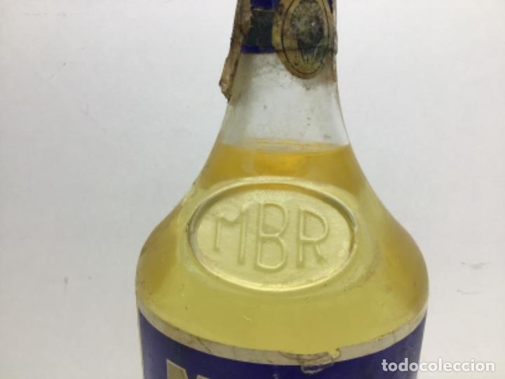 Coleccionismo de vinos y licores: ANTIGUA BOTELLA MARIE BRIZART - ANISETTE PRECINTO DE 80 cts - Foto 3 - 234938815