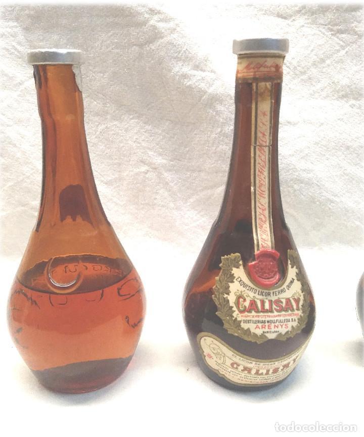 Coleccionismo de vinos y licores: Calisay destilerías Mollfulleda Ferroquina Arenys, 3 Botellines. Med. 15 cm - Foto 2 - 236494395