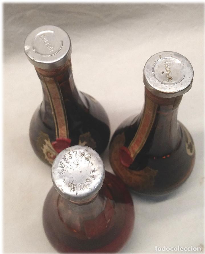 Coleccionismo de vinos y licores: Calisay destilerías Mollfulleda Ferroquina Arenys, 3 Botellines. Med. 15 cm - Foto 5 - 236494395