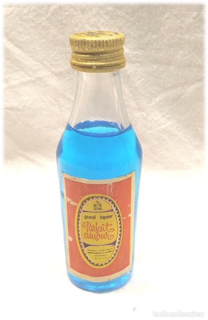 PARFAIT AMOUR CAMPENY BOTELLIN (Coleccionismo - Botellas y Bebidas - Vinos, Licores y Aguardientes)