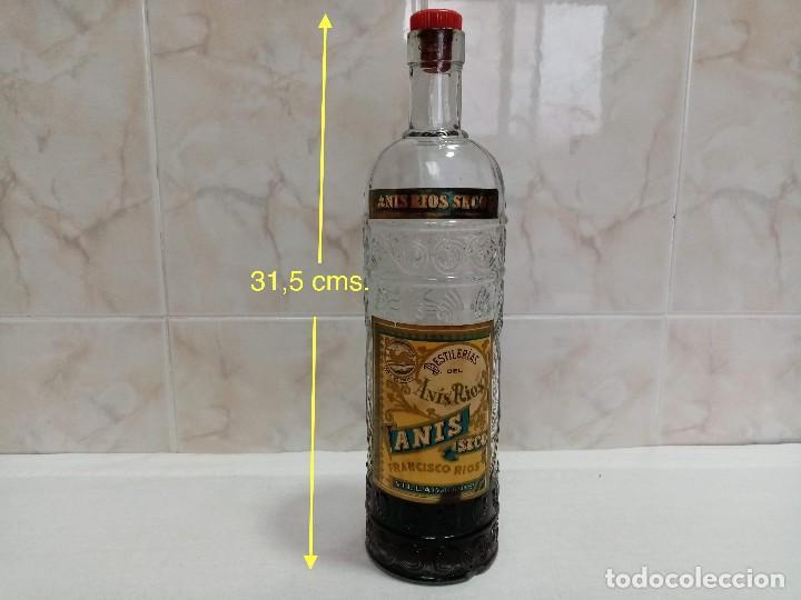 Coleccionismo de vinos y licores: Botella 1 litro Anis Rios Seco,José Rios Francisco Rios Silla (Valencia) años 50 - Foto 3 - 236509580