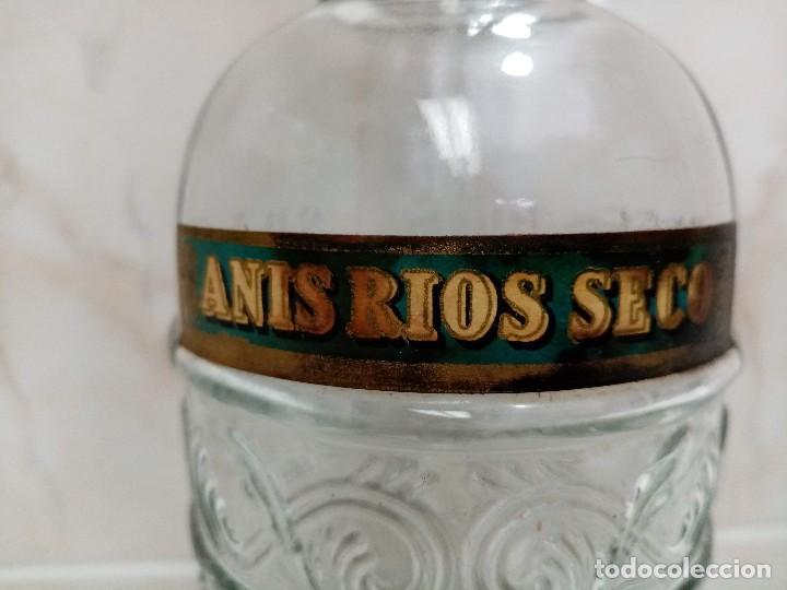 Coleccionismo de vinos y licores: Botella 1 litro Anis Rios Seco,José Rios Francisco Rios Silla (Valencia) años 50 - Foto 5 - 236509580