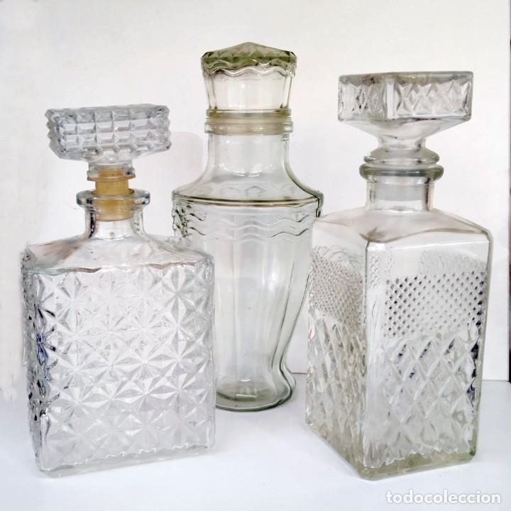 BOTELLAS DE LICOR ANTIGUAS BISELADAS (Coleccionismo - Botellas y Bebidas - Vinos, Licores y Aguardientes)