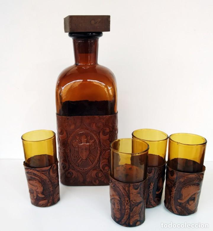 Coleccionismo de vinos y licores: Botellas de licor antiguas biseladas - Foto 4 - 236516110