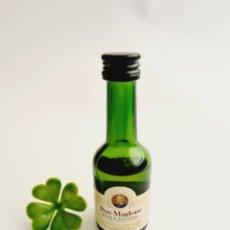 Coleccionismo de vinos y licores: BOTELLITA PERE MAGLOIRE 3CL VIDRIO 10.1CM BOTELLIN MINI BOTELLA MINIATURA. Lote 236543725