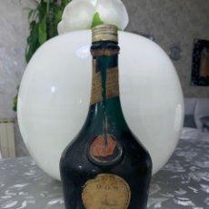 Coleccionismo de vinos y licores: BOTELLA DE VERITABLE BENEDICTINA. Lote 237000890