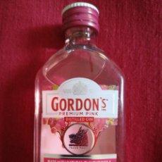 Coleccionismo de vinos y licores: BOTELLA GORDONS GIN 5 CL.. Lote 238070375