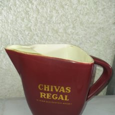 Coleccionismo de vinos y licores: PRECIOSA JARRA DE WHISKY CHIVAS REGAL.. Lote 245416875