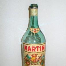 Coleccionismo de vinos y licores: ANTIGUA BOTELLA MAGNUM DE VERMOUTH MARTINI. Lote 245448460