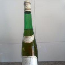 Coleccionismo de vinos y licores: MARQUÉS DE RISCAL BLANCO. RUEDA. BOTELLA DE VINO 1975. Lote 250167440