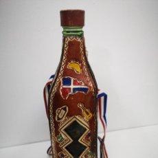 Coleccionismo de vinos y licores: BOTELLA DE CRISTAL , MERENGUE MAMAJUANA REPÚBLICA DOMINICANA. Lote 251243725