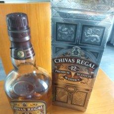 Coleccionismo de vinos y licores: CHIVAS 12 AÑOS, 70CL. PREMIUM. ABIERTA. Lote 252473190