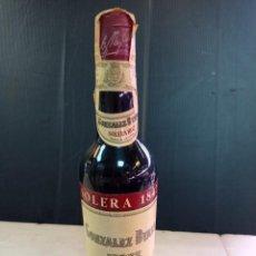 Coleccionismo de vinos y licores: ANTIGUA BOTELLA 1/2 L DE OLOROSO DULCE SOLERA 1847 PRECINTADA. Lote 253023325
