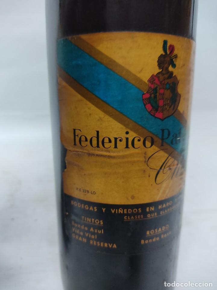 Coleccionismo de vinos y licores: ANTIGUAS DOS BOTELLAS VINO. RIOJA. FEDERICO PATERNINA. OLLAURI. SIN ABRIR - Foto 5 - 253143200