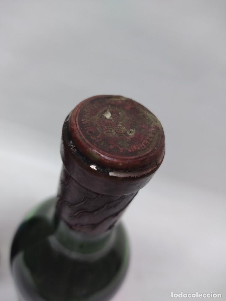 Coleccionismo de vinos y licores: ANTIGUAS DOS BOTELLAS VINO. RIOJA. FEDERICO PATERNINA. OLLAURI. SIN ABRIR - Foto 8 - 253143200