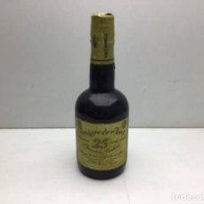 Coleccionismo de vinos y licores: BOTELLA DE VINAGRE DE JEREZ - RESERVA 25 AÑOS - 375 ML - BODEGAS PAEZ -JEREZ DE LA FRONTERA. Lote 254171245