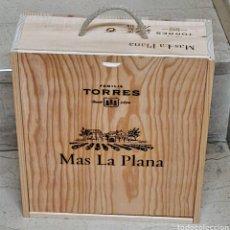 Coleccionismo de vinos y licores: CAJA VINO VACÍA MAS LA PLANA. Lote 254502810