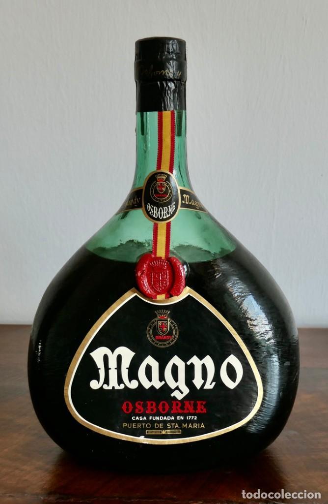 BOTELLA MAGNUM - PESA 3116 ML- BRANDY MAGNO AÑOS 1960-70 PRECINTO OCHENTA CENTIMOS -SIN ABRIR (Coleccionismo - Botellas y Bebidas - Vinos, Licores y Aguardientes)