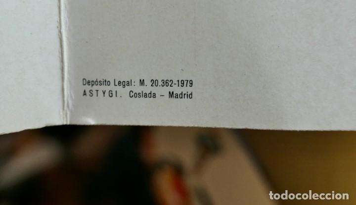 Coleccionismo de vinos y licores: ANTIGUA BOTELLA- Whisky Dewars White Label - EN FELICITACION1979- SIN ABRIR - Foto 14 - 261220555