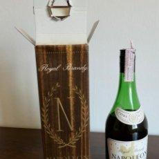 Coleccionismo de vinos y licores: ANTIGUO ROYAL BRANDY NAPOLÉON ALAIN THOMAS- CAJA ORIGINAL- SIN ABRIR- IMPUESTO 4 EUROS.. Lote 261224955