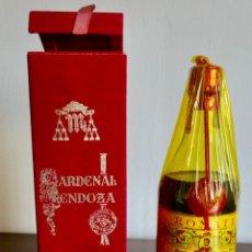 Coleccionismo de vinos y licores: SOLERA CARDENAL MENDOZA SÁNCHEZ ROMATE JEREZ DE LA FRONTERA CÁDIZ TIMBRE 4 PESETAS NUEVA SIN ABRIR. Lote 261236775