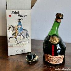 Coleccionismo de vinos y licores: ANTIGUA BOTELLA DE BRANDY LLENA Y EN SU CAJA - SAINT VIVANT. ARMAGNAC VSOP - FRANCIA. Lote 261243960