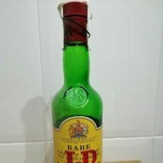 Coleccionismo de vinos y licores: ANTIGUA BOTELLA DE WHISKY JB RARE ABIERTA.. Lote 261297500