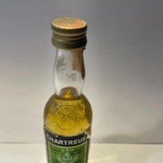 Coleccionismo de vinos y licores: CHARTREUSE 55 º BOTELLA MINI BAR SIN ABRIR MED.: 11 CMS. (T1). Lote 262393485