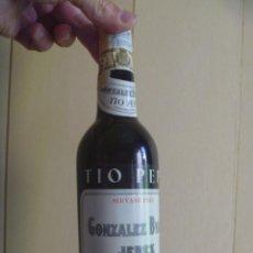 Coleccionismo de vinos y licores: BOTELLA TIO PEPE GONZALEZ BYASS FINO MUY SECO JEREZ. Lote 262938970