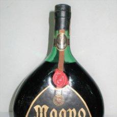 Coleccionismo de vinos y licores: ANTIGUA BOTELLA OVALADA BRANDY MAGNO OSBORNE 2 L.. Lote 264456639