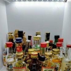 Collectionnisme de vins et liqueurs: LOTE LIQUIDACIÓN COLECCIÓN 28 BOTELLIN VARIADO BOTELLITA MINIATURA MINI BOTELLA. Lote 265539914