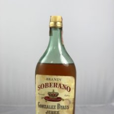 Colecionismo de vinhos e licores: ANTIGUA BOTELLA DE BRANDY SOBERANO, GONZALES BYASS JEREZ. 37%. Lote 265854879