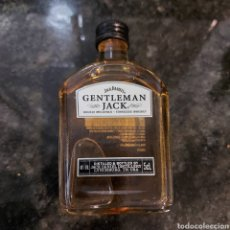 Coleccionismo de vinos y licores: BOTELLITA/BOTELLIN CRISTAL-50 ML**WHISKEY JACK DANIEL´S TENNESSE GENTLEMAN JACK-5 CL -40% VOL. Lote 266162758