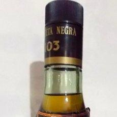 Coleccionismo de vinos y licores: BRANDY 103 ETIQUETA NEGRA DE BOBADILLA. Lote 268889824