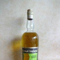 Coleccionismo de vinos y licores: ANTIGUA BOTELLA CHARTREUSE TARRAGONA VERDE SIN ABRIR!. Lote 272439663
