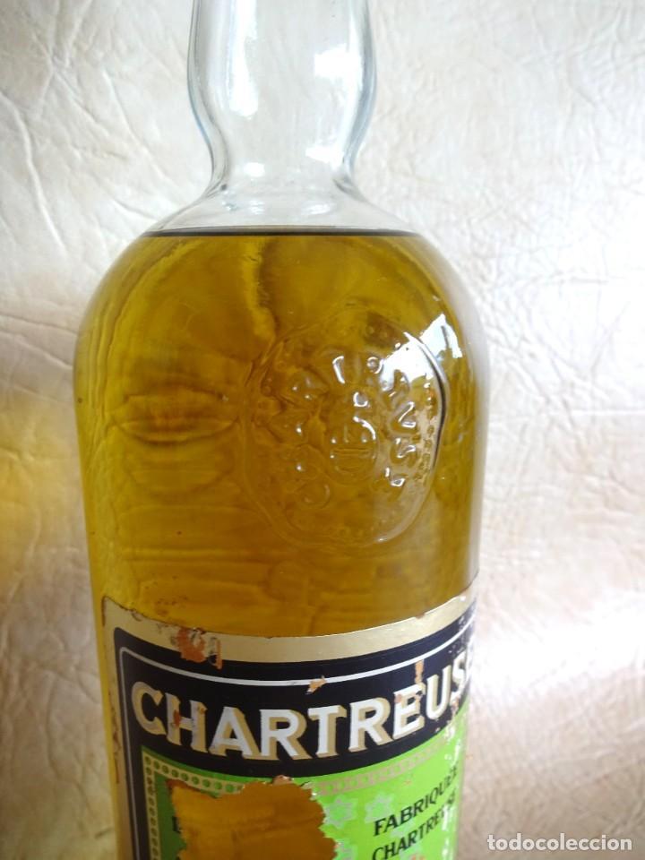 Coleccionismo de vinos y licores: ANTIGUA BOTELLA CHARTREUSE TARRAGONA VERDE SIN ABRIR! - Foto 3 - 272439663