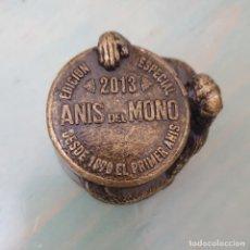 Colecionismo de vinhos e licores: TAPON DE BRONCE ANIS DEL MONO EDICION ESPECIAL 2013. Lote 274662213
