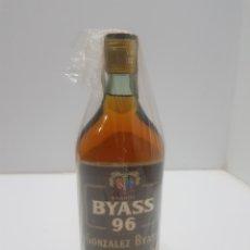 Colecionismo de vinhos e licores: ANTIGUA BOTELLA BRANDY BYASS 96 SIN ABRIR. Lote 275032773