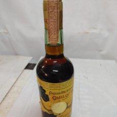 Coleccionismo de vinos y licores: BOTELLA CARLOS III SOLERA RESERVADA PEDRO DOMEQ. PRECINTO 4 PTAS A ESTRENAR. Lote 275166273