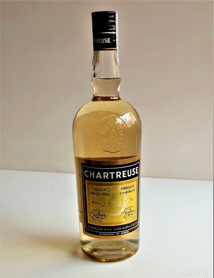 BOTELLA ENTERA CHARTREUSE 75.CL 40%VOL - 31.CM ALTO (Coleccionismo - Botellas y Bebidas - Vinos, Licores y Aguardientes)