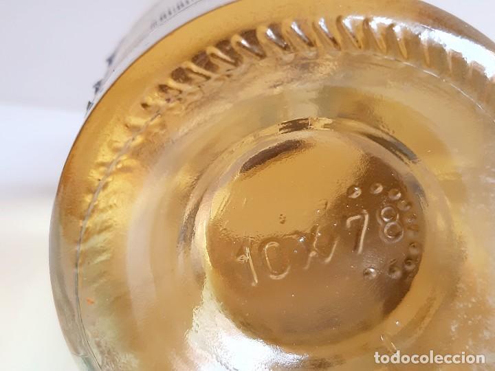 Coleccionismo de vinos y licores: BOTELLA ENTERA CHARTREUSE 75.CL 40%VOL - 31.CM ALTO - Foto 12 - 275239648