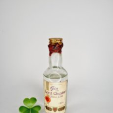 Coleccionismo de vinos y licores: BOTELLITA GINEBRA GIN DRY LORD CHESTER 11.9CM VIDRIO BOTELLIN. Lote 277853778
