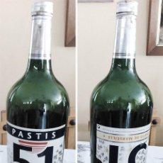 Coleccionismo de vinos y licores: BOTELLA 5 LITROS CRISTAL VERDE PATIS 51 DE MARSELLE BOTELLON MIDE 50 CM ALTO 13 DE DIAMETRO VACIA. Lote 278427383
