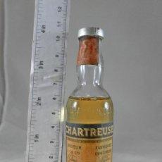 Coleccionismo de vinos y licores: BOTELLITA BOTELLIN CHARTREUSE AMARILLO TARRAGONA. Lote 287709218